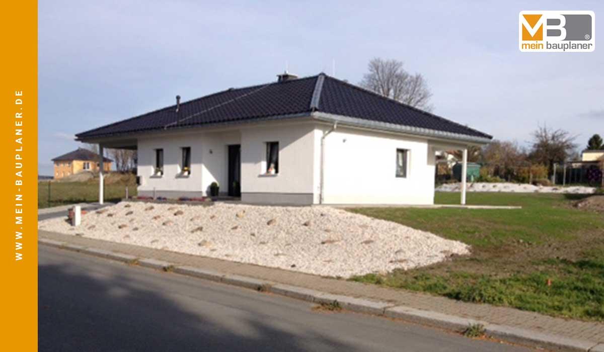 Einfamilien-Bungalow in Auerbach 2